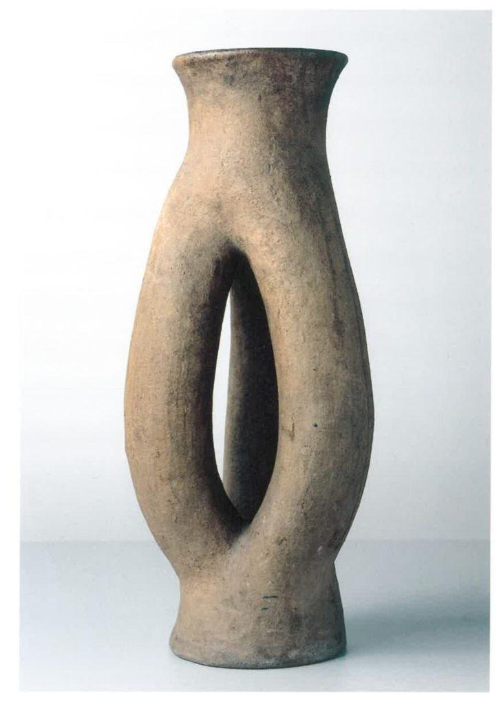 Dreiröhrenvase, 1930, Steinzeug, unglasiert, H 59,5 cm